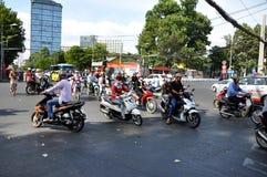 Hulajnoga ruch drogowy w Wietnam Obraz Stock