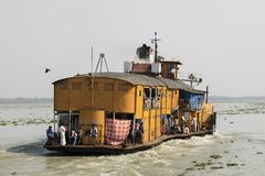 Hularhat,孟加拉国, 2017年2月27日:火箭队-一艘古老明轮船 免版税图库摄影