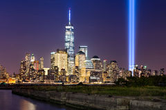 Hulde in Licht over Lower Manhattan, de Stad van New York Stock Afbeeldingen