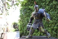 Hulk Gladiator 1/6 κλίμακα παρουσιάζει στον παλαιό πίνακα στοκ φωτογραφία με δικαίωμα ελεύθερης χρήσης