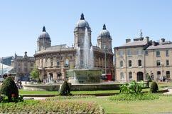 Hull o museu marítimo com o parque da cidade no primeiro plano imagens de stock