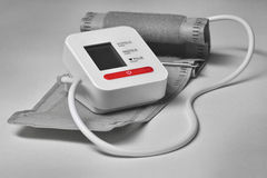 Hulpmiddel om de bloeddruk te meten Stock Foto's
