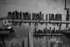 Hulpmiddelen in de timmermans` s winkel Stock Afbeelding