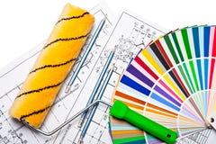 Hulpmiddelen en kleurengids op wit Stock Afbeelding