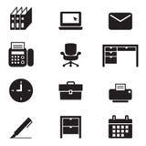 Hulpmiddelen van het silhouetbureau en de geplaatste kantoorbehoeftenpictogrammen Stock Foto's