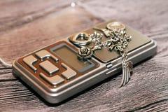 Hulpmiddelen van juwelen Lux Bracelet Op houten achtergrond royalty-vrije stock foto