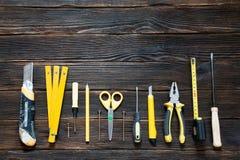Hulpmiddelen voor reparatie en bouw in geel Royalty-vrije Stock Fotografie