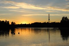 Humallahti美好的日落视图在Töölö,赫尔辛基, Finla 库存图片