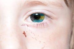 Human& x27 πρόσωπο του s με τη εθνική σημαία και το χάρτη των Μπαχαμών Στοκ Εικόνες