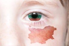 Human& x27; 与保加利亚的国旗和地图的s面孔 图库摄影