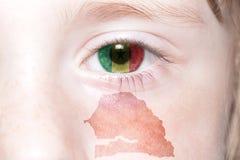 Human& x27; 与塞内加尔的国旗和地图的s面孔 库存照片