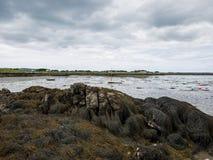 Humedales y masa de la alga marina durante la bajamar cerca de Maghery, Donegal Fotos de archivo