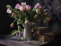 Humeur de tulipe d'un jour d'hiver photo libre de droits