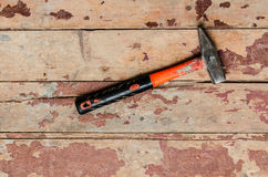 Hummer στο παλαιό ξύλινο πάτωμα Στοκ Φωτογραφία