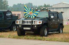 Hummer com a bandeira da força aérea do russo Foto de Stock Royalty Free