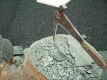 Hummer dla skał płytek wtykać w fiszorku fotografia royalty free