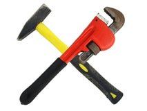 Hummer e chiave rossa degli idraulici Fotografia Stock Libera da Diritti