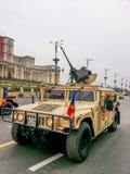 Hummer en el desfile nacional rumano Imagen de archivo libre de regalías