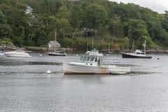 Hummerboot Mamosa und Skiff stockbilder
