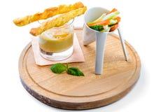 Hummus με τα ραβδιά τυριών Στοκ Εικόνα