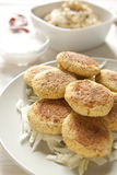 自创沙拉三明治和Hummus 图库摄影