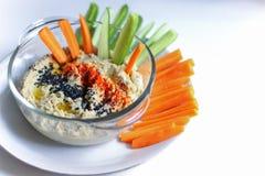 Hummus als middagsnack stock afbeeldingen