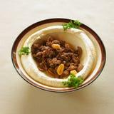 Hummus avec le shawarma Photographie stock libre de droits