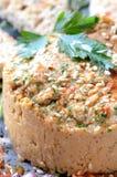 Hummus con las semillas de sésamo Fotos de archivo libres de regalías