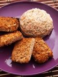 Hummus med bakat bröd Royaltyfri Bild