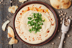 Hummus smakelijk traditioneel voedsel met tahinideeg Royalty-vrije Stock Afbeelding