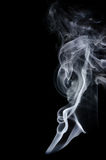Humo blanco en fondo negro, humo blanco en el fondo negro, fondo del humo, fondo blanco de la tinta, fondo del humo, beautifu Fotos de archivo