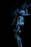 Humo en un fondo negro Imagen de archivo libre de regalías