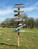 Humoristisch de kunststuk van het straatteken, Eiken Klip, Dallas, Texas royalty-vrije stock foto's
