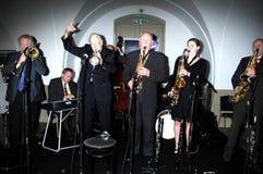 Humphery Littleton y banda que se realizan en Londres 2010 Imagen de archivo libre de regalías