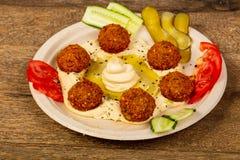 Humus met falafel royalty-vrije stock afbeeldingen