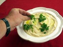 Humussalat mit Olivenöl Lizenzfreies Stockbild