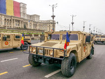 Humvee roumain d'armée pour des opérations de désert Photographie stock