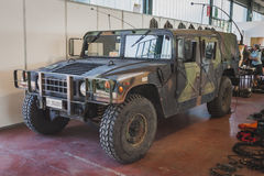 Humveevoertuig in Militalia in Milaan, Italië Stock Foto