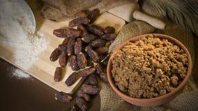 Hunaini,沙特阿拉伯传统甜点由日期做成和Saj 免版税库存照片