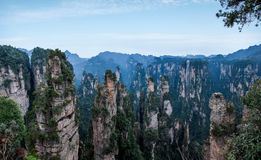 Hunan Zhangjiajie πάρκο εθνικών δρυμός, οι παλαιές σπιτιών αιχμές συλλογής ` τομέων ` μαγικές Στοκ Φωτογραφία