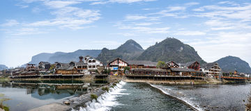 Hunan Zhangjiajie die Wulingyuan in de waterstraat drijven - Kreekstraat Stock Afbeeldingen