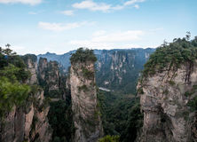 Hunan Zhangjiajie Forest Park national, la vieille magie de ` de champ de maison recueillant le ` fait une pointe Photographie stock libre de droits