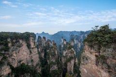Hunan Zhangjiajie Nationaal Forest Park, de oude huisgebied ` magische het verzamelen zich ` pieken Stock Fotografie