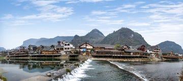 Hunan Zhangjiajie Wulingyuan som svävar i vattengatan ---- Liten vikgata Arkivbilder