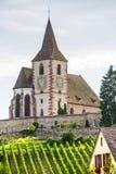 Hunawihr (阿尔萨斯) -教会和葡萄园 免版税库存照片