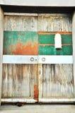 Hund & dörr Arkivfoton