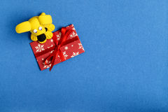 Hund vom Plasticine auf einem Umschlag Stockfoto