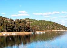 Hunda el depósito de Tranco, el Tranco de Beas, el parque natural el Sierras de Cazorla, Segura y los chalets de Las Jaén, Andalu imagenes de archivo