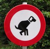 hundar rörar inget tecken Royaltyfri Bild