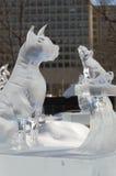2 Hundeeisskulptur an Ottawa-` s Winterlude Lizenzfreie Stockbilder
